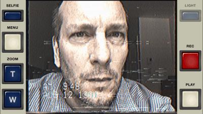 Un beau selfie avec VHS Camcorder